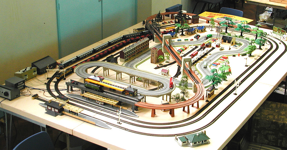 Model Train Sets Layouts Binims